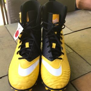 Nike Force Savage Football Cleats NWT Yellow